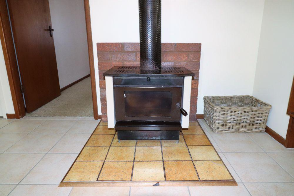 wemberley-lakehouse-fire-place