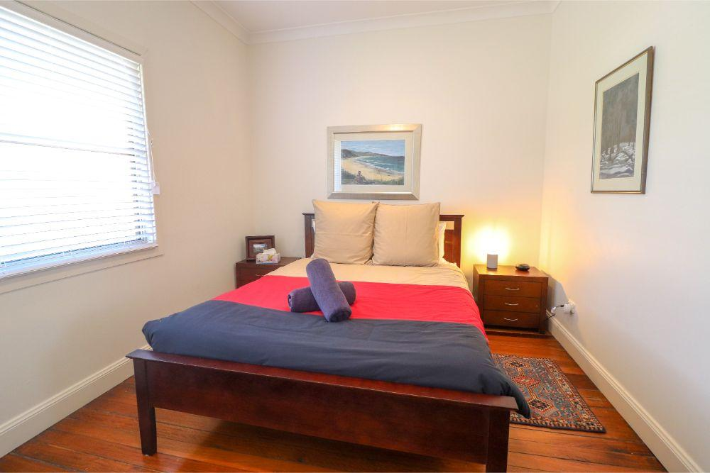embrace-cottage-catherine-hill-bay-main-bedroom
