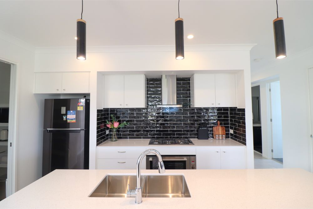 surfers-paradise-catherine-hill-bay-kitchen