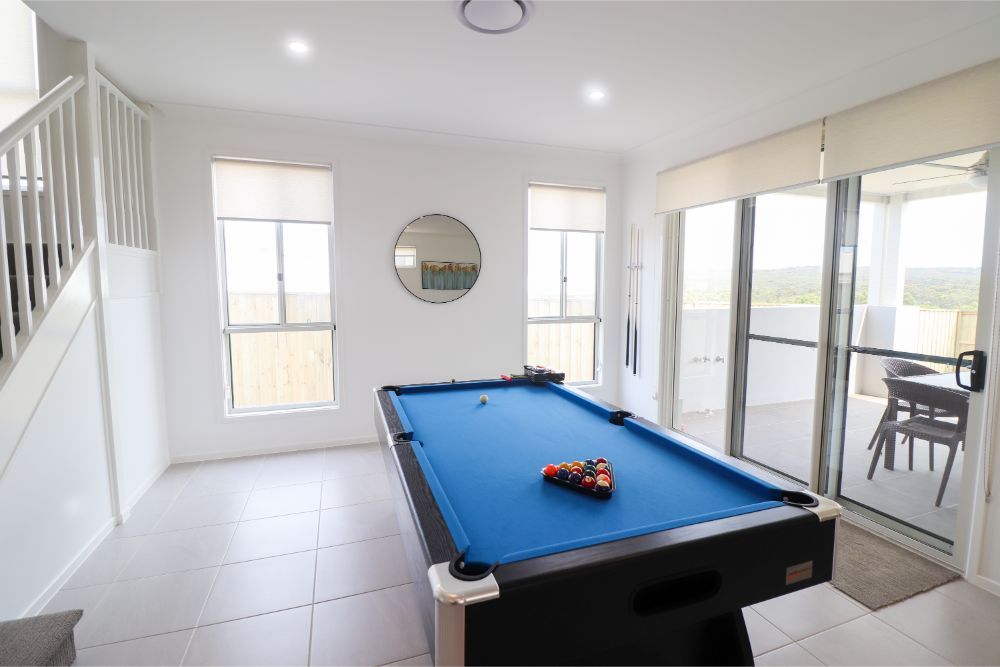 surfers-paradise-catherine-hill-bay-pool-table