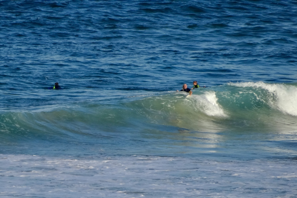 surfers-paradise-catherine-hill-bay-surfing