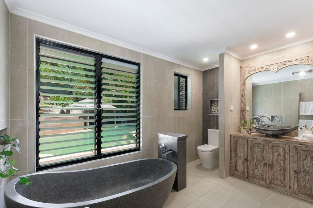 splendour-at-caves-beach-holiday-home