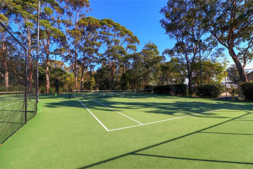 blackbutt-deluxe-family-townhouse-tennis-raffertys-resort