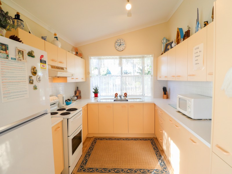 Fully equipped kitchen at Bromyard Cottage at Swansea